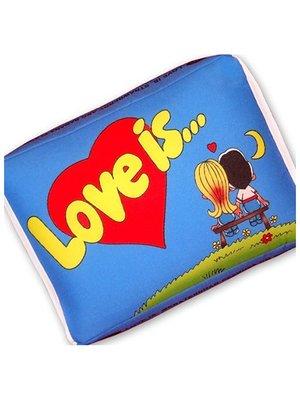 Подушка Love is блакитна | 2665088