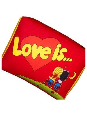 Подушка Love is червона | 2665089