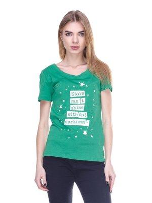 Футболка зеленая с принтом и декором | 1588875