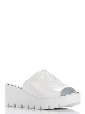 Шлепанцы белые | 3230585