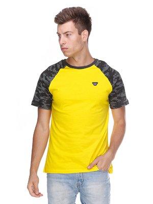 Футболка жовта з камуфляжним принтом   3411417