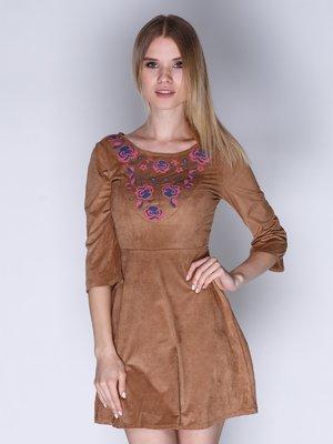 Сукня коричнева з вишивкою | 3010617