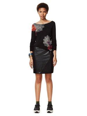 Джемпер чорний з квітковим принтом | 3487794