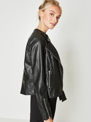Куртка черная | 3550044