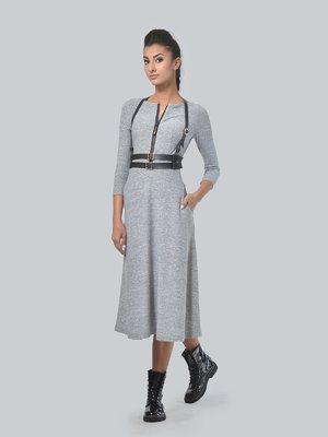 Сукня світло-сіра з портупеєю | 3650818
