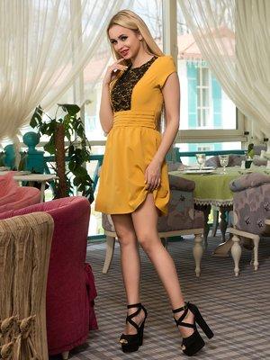 Платье горчичного цвета | 3646176