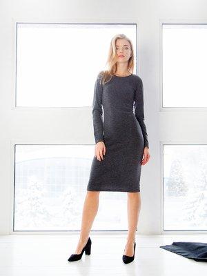 Сукня графітового кольору  з вирізом на спинці | 3666138