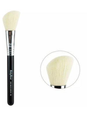 Кисть для румян и бронзера угловая Angled Blush Brush (17,5 см) | 4021115