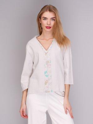 Блуза светло-серая с рисунком | 371235