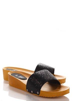 Шлепанцы черные | 2561900