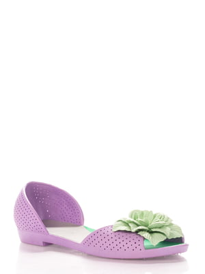 Босоножки сиреневые перфорированные с декоративным цветком | 542306
