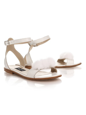 Босоножки кожаные с мехом норки белого цвета | 4189858