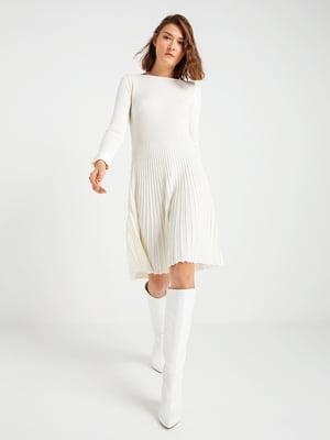 Платье кремового цвета | 4574909