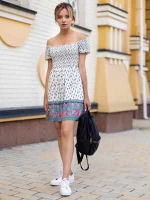 Сукня молочного кольору в принт | 2992518