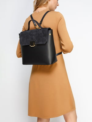 Рюкзак на одній ручці з замшевим клапаном, чорного кольору | 4577635