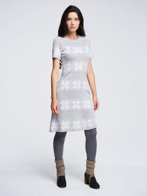 Платье светло-серое с орнаментом | 4643617