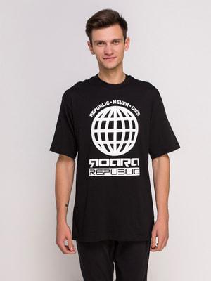 Футболка чорна з принтом | 4646021
