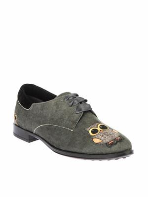 Туфлі кольору хакі з принтом | 4691744