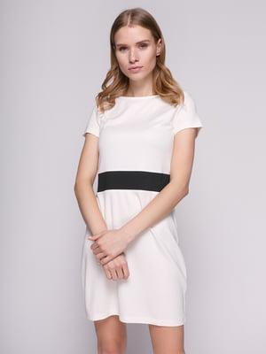 Платье белое с отделкой по талии | 475068