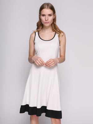 Сукня біла з оздобленням чорного кольору | 692169