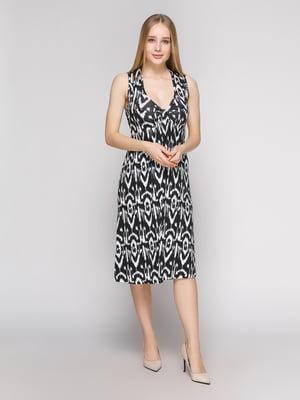 Платье черно-белое с вырезами на спинке | 402757
