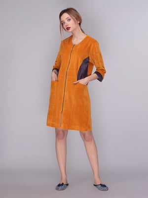 Халат горчичного цвета  с контрастными вставками | 4169805