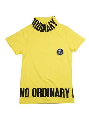 Футболка желтая с надписями | 4917940