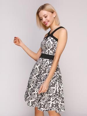 Платье молочного цвета в принт | 4906868
