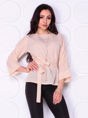 Блуза бежевого цвета с поясом | 5010389