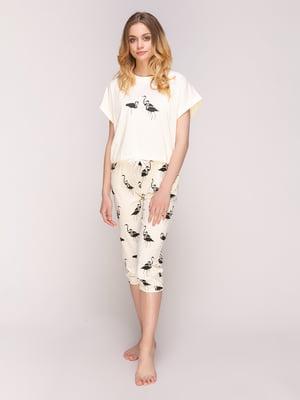 Пижама: футболка и капри | 5068858