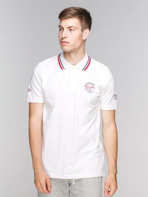 Футболка-поло біла з принтом | 5082290