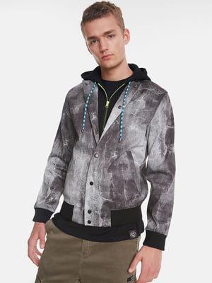 Куртка серая в принт | 5319553
