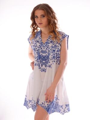 Платье пляжное бело-синее с принтом | 5363128