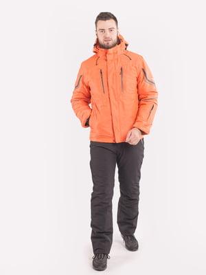 Куртка оранжевого цвета | 5366056
