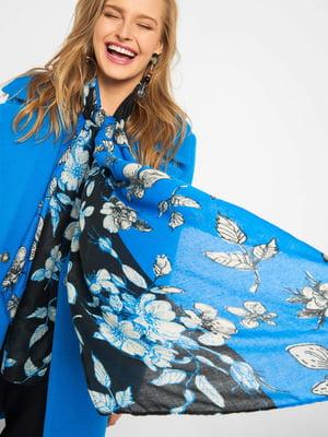 Шарф черно-голубой с цветочным принтом | 5368998