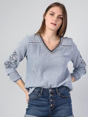 Блуза голубая в полоску и с вышивкой | 5377355