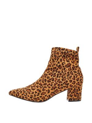 Ботинки коричневые с принтом | 5419383