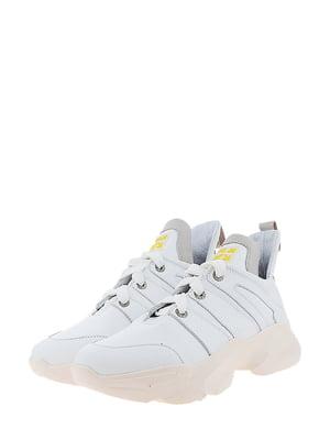 Кросівки білого кольору | 5436354