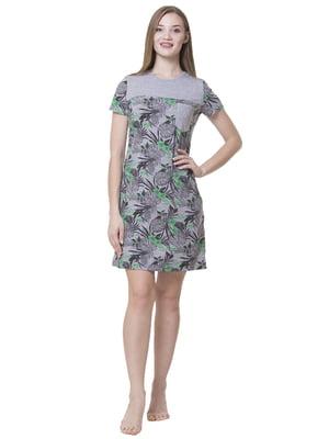 Сукня домашня сіро-салатового кольору з рослинним принтом | 5440702