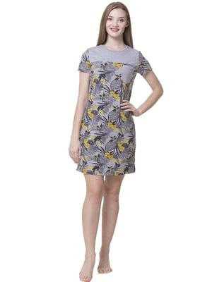 Сукня домашня сіро-жовтого кольору з рослинним принтом | 5440703