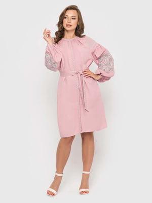 Платье цвета пудры с вышивкой | 5447835