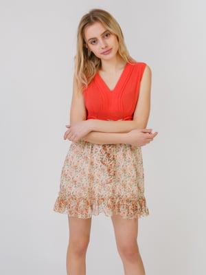 Сукня коралово-бежевого кольору в принт | 5452071