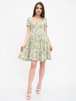 Сукня оливкового кольору в квітковий принт | 5456608