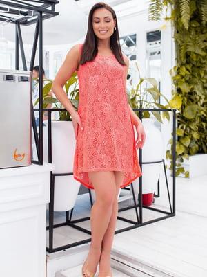 Сукня коралового кольору з візерунком | 5464405