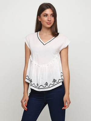 Блуза белая с вышивкой | 5477305