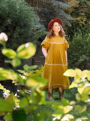 Сукня гірчичного кольору з декором | 5496821