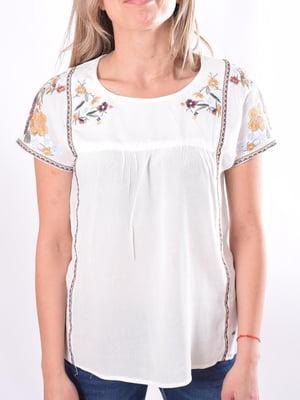 Блуза белая с цветочной вышивкой   5510118