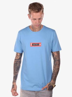 Футболка голубая с принтом | 5522199