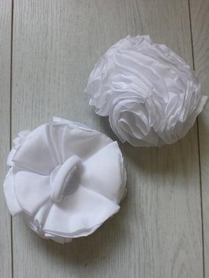 Резинка для волос белая | 5530960