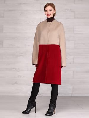 Пальто красно-бежевого цвета | 5531380